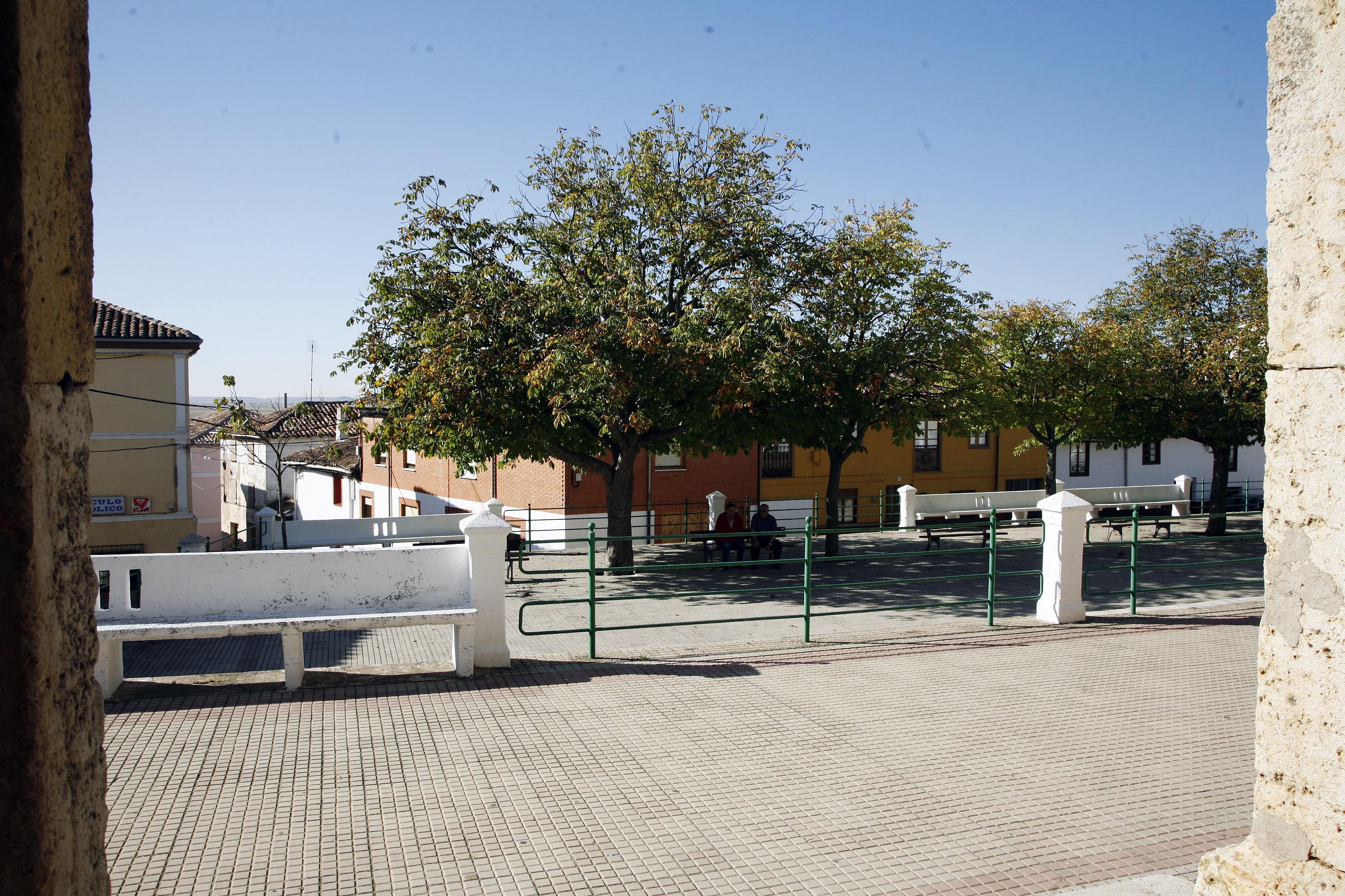 Pradanos de Ojeda-plaza